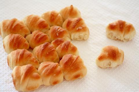 超簡単!こねないパン❤シロワッサンで【ちぎりパン】