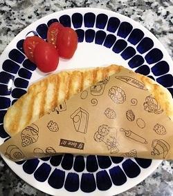 てごねで!ベーコンとチーズのパニーニ