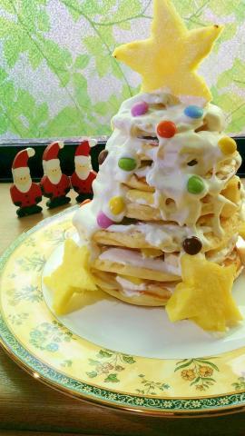 パンケーキでハワイアンなクリスマスツリーケーキ