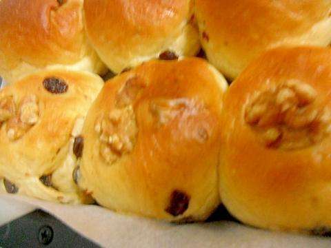 くるみレーズンパン ちぎりパン