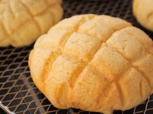 クッキー生地が割れないメロンパン