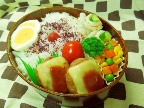 彩り野菜のチーズハンバーグ弁当☆