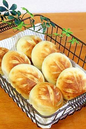 まるで焼いたお餅みたい♪しっとりもちもち米粉パン