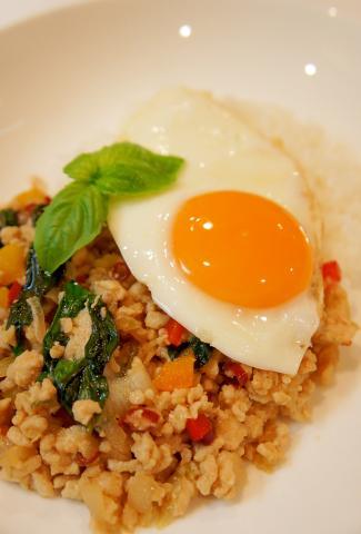 タイ料理☆ガパオライス~バジルと鶏ひき肉炒めご飯