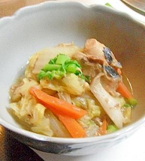 サバ缶でお手軽♪白菜の煮込み