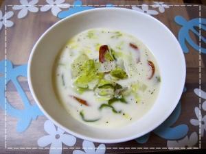 冬にぴったり!ほっこり豆乳白菜スープ