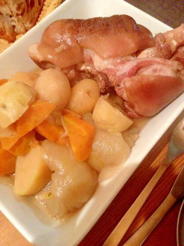 ドイツ料理 アイスバインを圧力鍋レシピで
